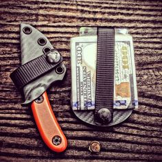 Custom ESEE Candiru sheath and Vita EDC Wallet in Foliage Green by Armatus Carry Solutions. Edc Tools, Survival Tools, Edc Wallet, Cool Lock, Types Of Knives, Tactical Knives, Tactical Gear, Kydex Sheath, Kydex Holster