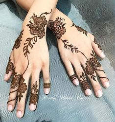 We're going to satisfy our ink hunger with the most beautiful henna tattoo designs that Floral Henna Designs, Arabic Henna Designs, Modern Mehndi Designs, Mehndi Design Photos, Henna Designs Easy, Beautiful Henna Designs, Latest Mehndi Designs, Henna Tattoo Designs, Bridal Mehndi Designs