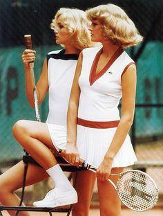 האופנה מבטאת את הרדיפה אחר בריאות וספורטיביות. 1976 ()