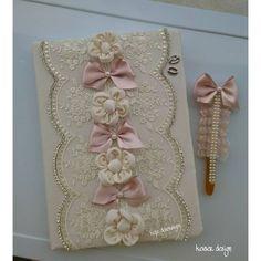 #düğün #gelin #anıdefteri Mini Album Scrapbook, Scrapbook Page Layouts, Scrapbook Stickers, Wedding Album, Wedding Guest Book, Wedding Cards, Wedding Bottles, Shabby Chic Crafts, Decorate Notebook