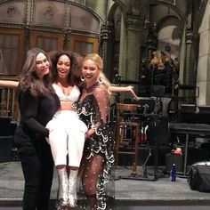 Beyonce and Jay Z join Solange at SNL party after her musical debut Beyonce Hold Up, Beyonce Style, Beyonce And Jay Z, Beyonce Instagram, Instagram Snap, Saturday Night Live, Jay Z Mother, Tina Knowles, Solange Knowles