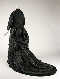 Fashion history blog run by Katie, 21/f/NC, studying art history at UNC Charlotte. *** Twitter...