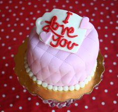 4″ Valentines Cake. Vegan. From @inmypies
