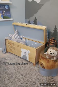 This precious Hand painted bear clouds, & customizable upholstery! This box is one of a kind! Baby Room Design, Baby Room Decor, Wooden Toy Boxes, Baby Zimmer, Woodworking Toys, Kids Toys, Kids Toy Boxes, Diy Décoration, Baby Boy Rooms