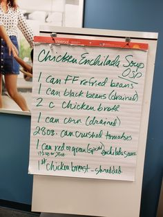 Chicken Enchilada Soup, 0 sp, W Watchers 1 can ff refried beans 1 can black beans, drained 2 cups chicken broth 1 can drained corn 28 can crushed tomatoes 1 can enchilada sauce 1 lb shredded chicken breast Weight Watchers Soup, Weight Watchers Smart Points, Weight Watcher Dinners, Skinny Recipes, Ww Recipes, Healthy Recipes, Recipies, Healthy Food, W Watchers