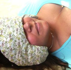 Flaxseed Headache and TMJ Pain Relief Pillow by AquarianBath... this...i need this...bet i can make it though with 20 min on the sewing machine