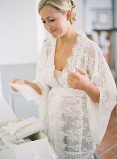 find lace robe to get ready in! pretty!