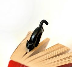 Bookmark black cat handmade from polymer clay MADE by NellinShoppi, €15.00