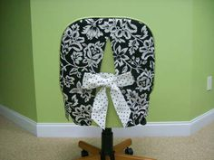 Office chair cover, but instead of green i want hot pink or something like that!