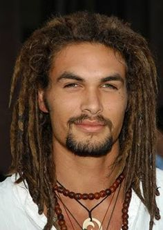 I'm sorry but why is it that guys with dreads are always beautiful?!