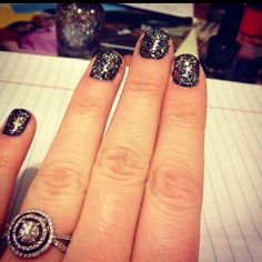 #Glitter nails Glitter Manicure, Nail Games, Nails Inspiration, Class Ring, Nail Art, My Style, Clothes, Jewelry, Outfit