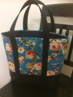 ennan: Ohje kassiin Diaper Bag, Diy Bags, Sewing, Pouches, Dressmaking, Couture, Diaper Bags, Fabric Sewing, Stitching