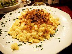 Sauerkraut Cheese Spaetzle (Käse Spätzle Mit Sauerkraut)