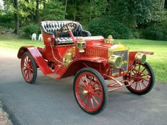Cool Rides (Includes 1909 Maxwell Runabout - (Maxwell Motor Co. Retro Cars, Vintage Cars, Antique Cars, Motos Vintage, Cool Old Cars, Veteran Car, Car Badges, Limousine, Buggy