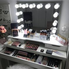 51 most popular makeup vanity table ideas for girls inspiration 16 Vanity Makeup Rooms, Vanity Room, Makeup Beauty Room, Makeup Room Decor, Makeup Drawer Organization, Makeup Storage, Lp Storage, Record Storage, Bedroom Organization