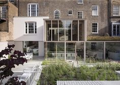 old-london-home-gets-fresh-glass-addition-1.jpg