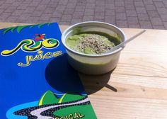 Avocado bowl (avocado, cucumber, lemon, sesame, salt & pepper) Acai bowl, Mamaia, beach, Constanta, fructe, sucuri naturale, sanatate, energie, fresh-uri, smoothies, Brazil.
