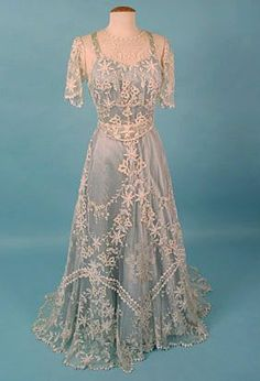 1906 tea gown | lace and net vintage tea gown, ca. 1906