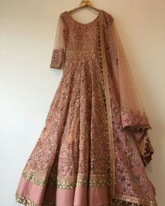 Ideas Indian Bridal Wear Saree Products For 2019 Indian Wedding Gowns, Indian Bridal Wear, Indian Gowns, Indian Attire, Indian Ethnic Wear, Indian Outfits, Wedding Dresses, Pakistani Party Wear, Pakistani Wedding Outfits