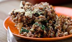Baked quinoa with spinach and cheese (Martha Rose Schulman recipe). Easy, healthy and so good!