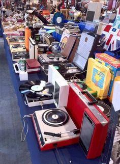 Mobile turntables great selection. Vinyl Music, Vinyl Records, Radios, Vinyl Cafe, Portable Record Player, Record Shelf, Radio Antigua, Hi Fi System, Dj Equipment