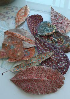 Acorn Crafts, Jute Crafts, Embroidery Leaf, Pressed Flower Art, Dry Leaf, Art Nature, Leaf Art, Threading, Textile Art