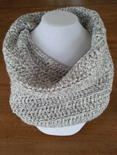 This crocheted tube is the perfect and ideal accessory for any outfit, warm and comfortable! It's made with chuncky acrylic yarn, in gray nuanced color. Aluminum Wire Jewelry, Winter Trends, Winter Accessories, Tube, Winter Fashion, Warm, Crochet, Color, Outfits