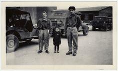 28345771_josef_schleifstein_poses_with_two_survivors_at_buchenwald.jpg (699×425)