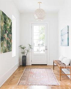 main entryway wall decor ideas to creating deep impression 14 ⋆ design sepatula Plywood Furniture, Home Decor Furniture, Style At Home, Boho Living Room, Home And Living, Foyers, Narrow Hallway Decorating, Decorating White Walls, Narrow Entryway