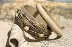 Set de bracelet bracelets d'argile séché Flax (Linum) - 2 pièces - polymère - bracelet large en Relief Floral bracelet - bracelets beiges bruns- par AleksPolymer sur Etsy https://www.etsy.com/fr/listing/243079004/set-de-bracelet-bracelets-dargile-seche