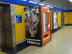 Publicidad en mobiliario de Metro