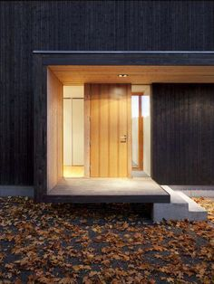 Päivärinne house is a private residence built as a retreat for a family with three children to the Finnish countryside. Door Canopy Modern, Modern Entrance, House Entrance, Minimalist Architecture, Architecture Details, Modern Architecture, Main Door Design, Entrance Design, Archi Design