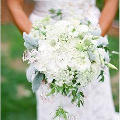 #wedding #bridal #bouquet #colour #green #crema #tarta #verde #boda #novia #ramo. Folow us on www.facebook.com/egovoloes
