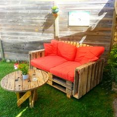 Pallet Garden Furniture - 20 Pallet Ideas You Need To DIY Now | 101 Pallet Ideas