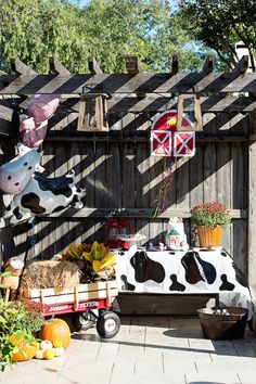 cute ideas for a kids barnyard birthday party << HOUSE of HARPER