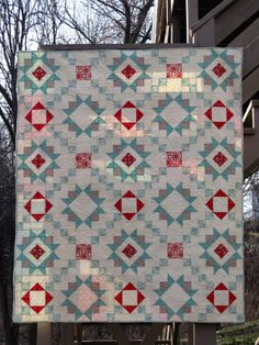 Hyacinth Quilt Designs: Star Crossed ~ a pattern give-away!