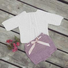 Veras vifte cardigan og floras flæser. Opskrift fra huebsch hækling. Crochet, hæklet, tig isi Baby girl bloomers