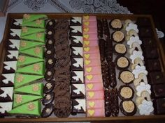 Sweet Bar, Bite Size Desserts, Party Platters, Snack Box, Homemade Cakes, Holiday Cookies, Confectionery, Christmas Baking, Afternoon Tea