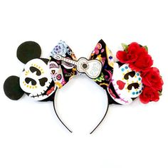 Make your Disney vacation extra special with these handmade Sugar Skull Magic Mouse Ears. Ideal for the Disney lover in everyone. Perfect for any age. Great gift idea for anyone who loves Disney's Coco and Dia de los Muertos Lovers. Disney Ears Headband, Diy Disney Ears, Disney Minnie Mouse Ears, Disney Diy, Disney Crafts, Halloween First Birthday, Disney Halloween, Kids Headbands, Ear Headbands