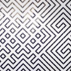 A l'occasion de l'exposition HomeWork à la Cité du Design de Saint-Etienne, la designer Pascaline De Glo De Besses présentait un aperçu de s...