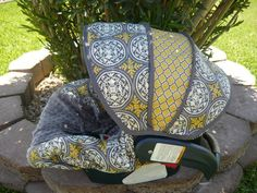 I would love this car seat cover--how cute!