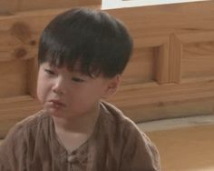 The perfect Daehan Minguk Manse Animated GIF for your conversation. Superman Baby, Song Triplets, Akm, Cute Gif, Me Me Me Song, Short Girls, Animated Gif, Kdrama, Crying