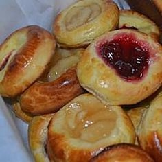 Kolaches II Recipe - This version of the classic Czech pastry livens up the dough with lemon flavoring. Breakfast Recipes, Dessert Recipes, Desserts, Brownie Recipes, Breakfast Ideas, Kolache Recipe, Czech Recipes, Ethnic Recipes, Sweet Bread
