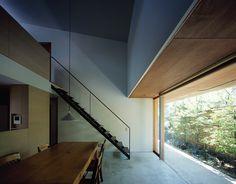 鎌倉・笹目町の家/House in Sasamemachi,Kamakura   手嶋保 建築事務所 / t.teshima architect and associates