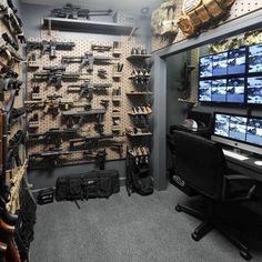 61 Ideas hidden storage for guns panic rooms Best Picture For Hunting Room diy For Your Taste You ar Ammo Storage, Weapon Storage, Hidden Storage, Gun Vault, Gun Safe Room, Future House, My House, Security Room, Reloading Room