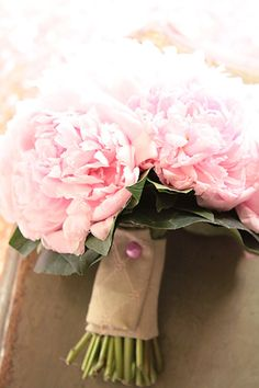 Pink peonies bouquet. Photo courtesy of Veronica Zanetti - Avoriophoto