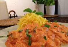 Tejszínes paradicsomos csirkés spagetti Spagetti, Curry, Chicken, Meat, Ethnic Recipes, Food, Lasagna, Curries, Eten