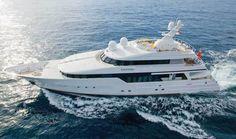Yacht Leonora