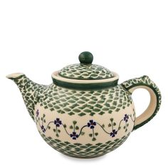 i heart tea. especially when it comes from cool teapots like this.