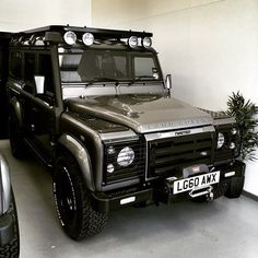 Land Rover Defender 110 Td4 TWISTED. Bold, fierce and stylish...